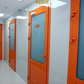 Алюминиевые офисные двери