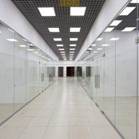 Алюминиевые перегородки для торговых центров