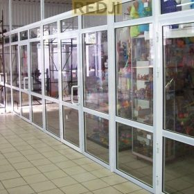 Пластиковые перегородки для торговых точек