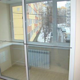 Раздвижные перегородки для балкона