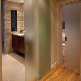 Раздвижные перегородки в ванную комнату