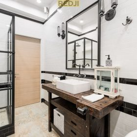 Стеклянные перегородки для ванной