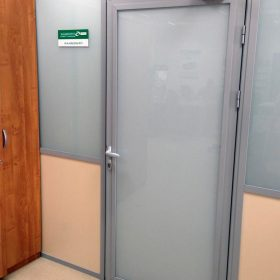 Глухие офисные двери